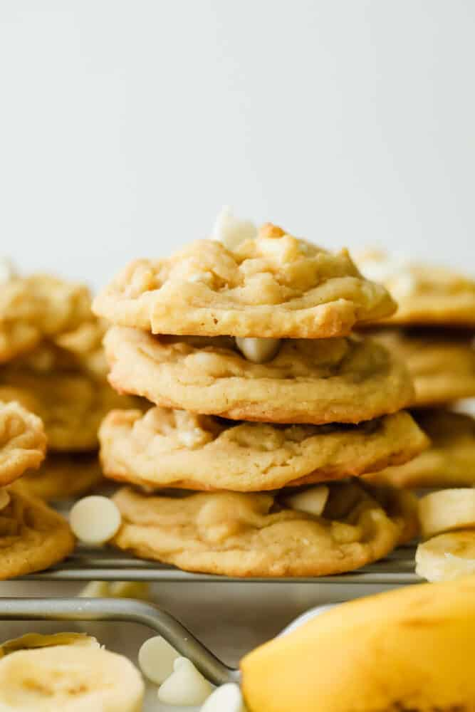 Banana pudding cookies stacked on top of each other.